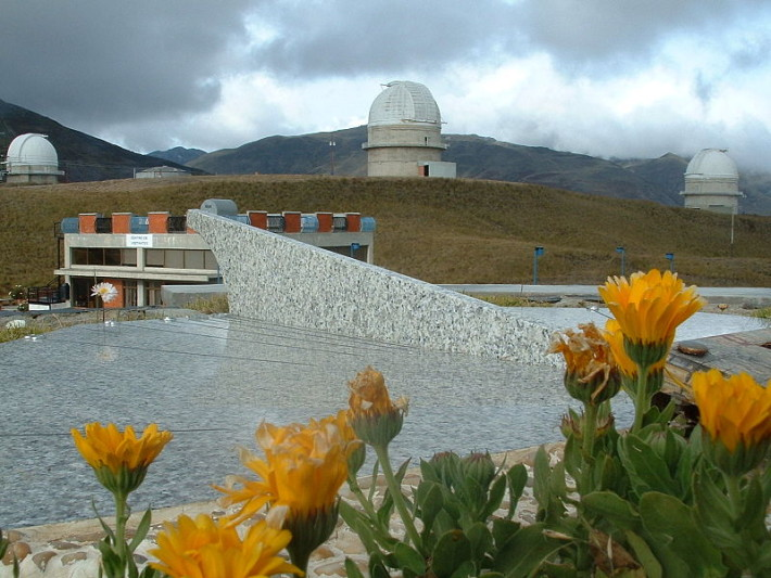 800px-National_Observatory_of_Llano_del_Hato